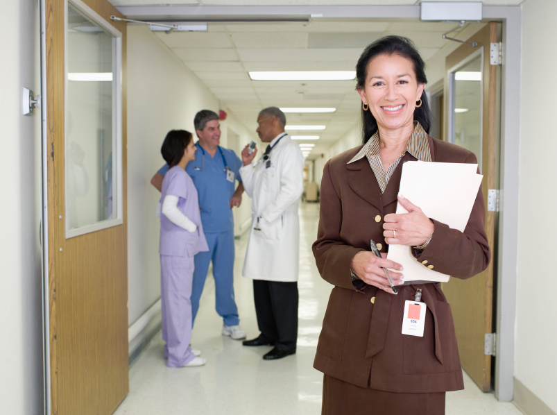 how to become a hospital admin